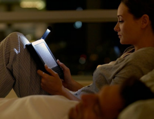 You should start reading right before bed—turns out those who do make more money, eat better food, and love their lives more than those who don't.